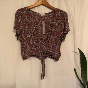 NWT Dark Floral Cropped Blouse